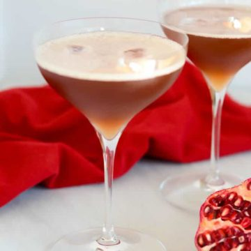 Pear, Pomegranate and Bourbon Punch | 22 Totally Achievable Thanksgiving Recipes on CaliGirlCooking.com