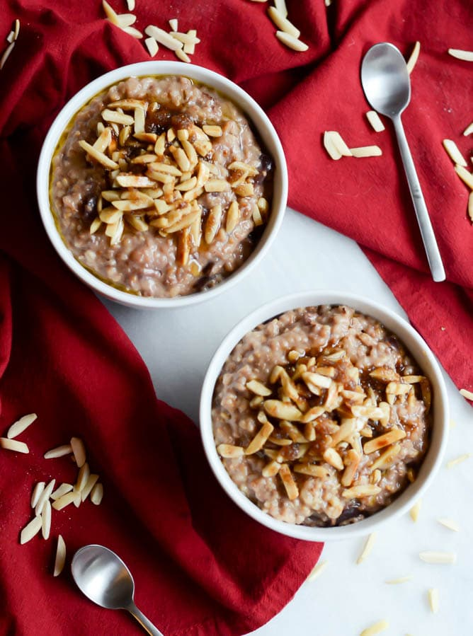 Slow Cooker Cherry Pie Oatmeal   22 Totally Achievable Thanksgiving Recipes on CaliGirlCooking.com