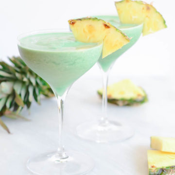 Superfood Pina Colada | CaliGirlCooking.com
