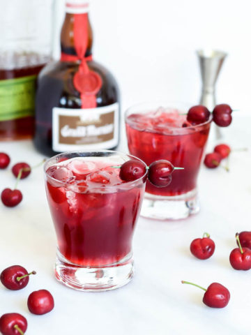 This Cherry Bourbon Breeze can easily be made non-alcoholic, and still tastes absolutely amazing!