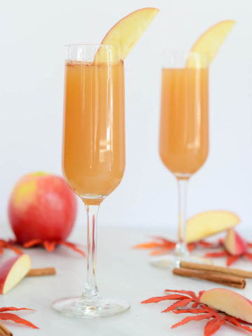 "These Apple Cinnamon ""Faux-mosas"" are the perfect mocktail for fall."