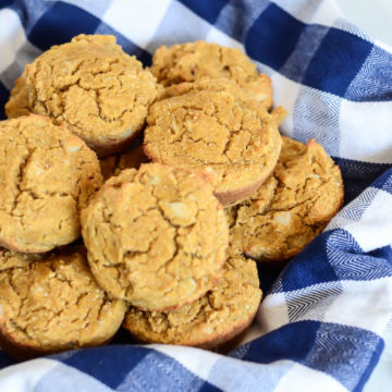 These Easy Pumpkin Macadamia Nut Muffins are full of healthy ingredients like coconut flour, pumpkin and macadamia nuts.