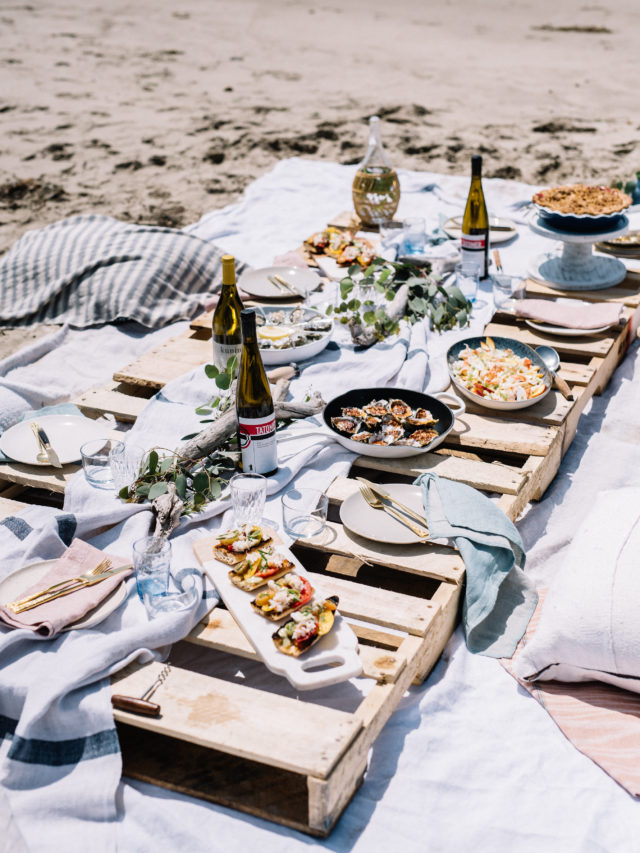 Seafood, pie, wine and friends. What more can you ask for with a summer beach picnic?